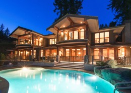 Luxury homes and Living the Lifestyle